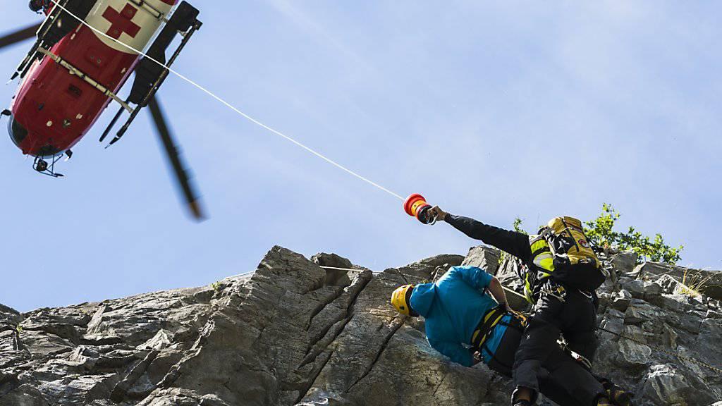 Beim Bergsport sind in den Schweizer Alpen im letzten Jahr 113 Menschen tödlich verunglückt, 20 Prozent weniger als im Vorjahr. Die Zahl der Bergrettungen hat demgegenüber zugenommen. (Symbolbild)