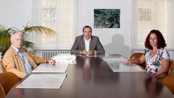 Im Unterkulmer Gemeinderat mit Roger Müller (Mitte), Manuela Basso und Franz Hochstrasser sind nach den gestrigen Wahlen zwei Sitze nicht besetzt.psi.