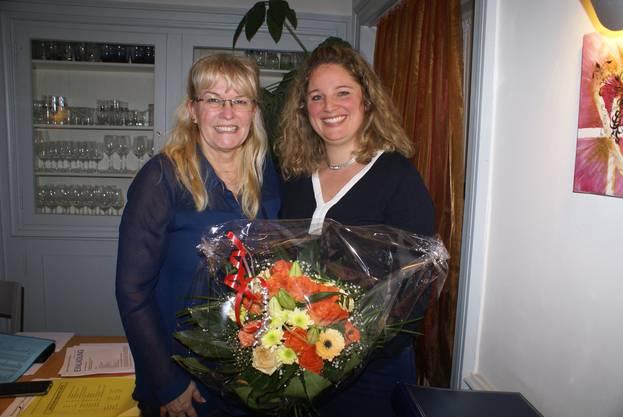 Daniela Wüest verdankt Mirjam Schön die fünfjährige Amtszeit