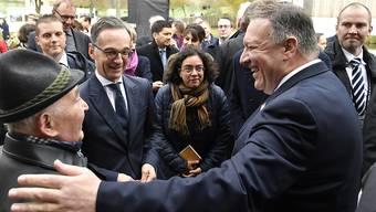Mit seinem zweitägigen Besuch in Deutschland will US-Aussenminister Mike Pompeo (r.) die transatlantische Partnerschaft stärken. In der Mitte: Sein deutscher Amtskollege Heiko Maas.