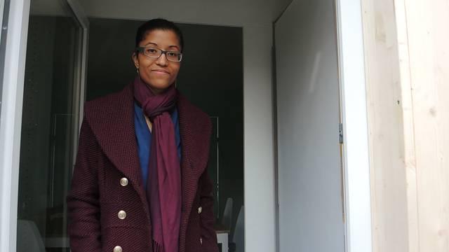 Schauen Sie sich um: Die Architektin Claudia Cuesta César führt durch den Pavillon «Integro».