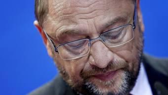 Die SPD hat bei den Bundestagswahlen eine schwere Schlappe eingefahren: Kanzlerkandidat und Parteichef Martin Schulz gesteht die Niederlage ein und kündigt den Gang der SPD in die Opposition an.