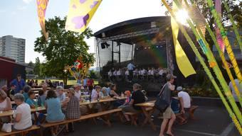 Im Jahr 2022 sollen der Zapfenstreich (im Bild der Anlass 2016) und das Jugendfest in Windisch mit einem Dorffest verbunden werden.