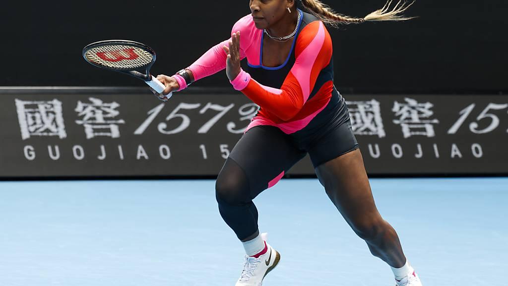 Serena Williams sorgte zum Auftakt am Australian Open nicht nur durch ihre Leistung, sondern auch durch ihre Kleidung für Aufsehen