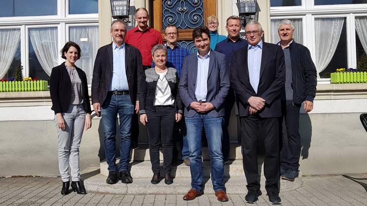 Von links: Andrea Buchs (ARP Kt SO), Peter Abrecht (GR Lengnau), Aquil Briggen (Stadtbaumeister Grenchen), Barbara Leibundgut (GP Bettlach), Thomas Fessler (GR Bettlach), François Scheidegger (GP Grenchen), Sandra Huber (GR Lengnau), Mathias Stricker (GR Bettlach), Max Wolf (GP Lengnau), Konrad Schleiss (GR Grenchen)