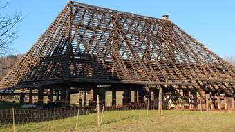 Die eindrückliche Holzkonstruktion gehört bald der Vergangenheit an, das Hochstudhaus kann nicht mehr gerettet werden. BAT