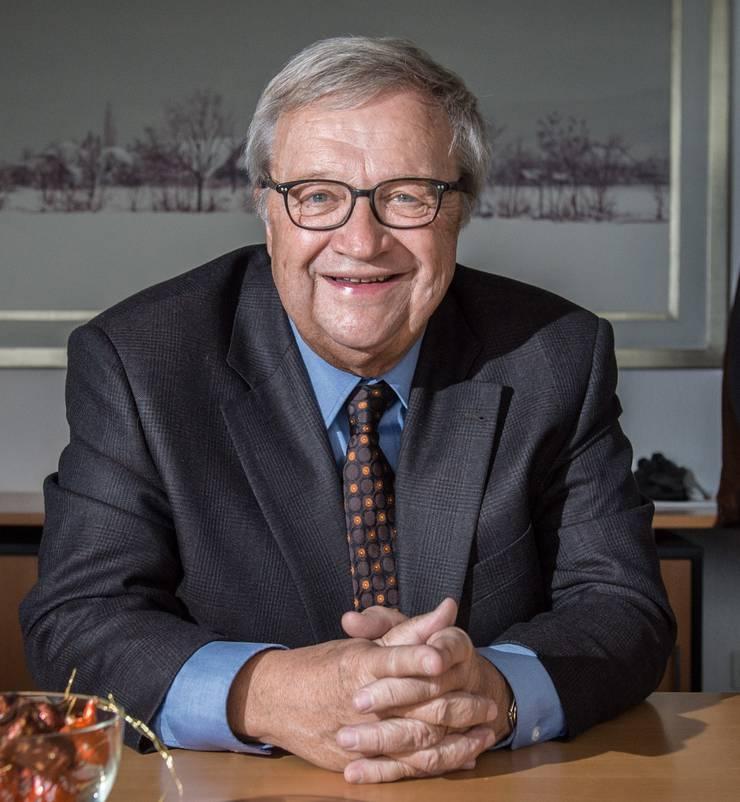 Alt Nationalrat Hans Ulrich Mathys setzt sich als Vorstandsmitglied der lokalen SVP für das Glockengeläut in Holziken ein.