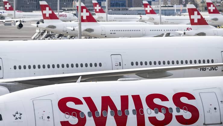Noch steht die Swiss-Flotte mehrheitlich am Boden. Wie viele in der Wintersaison wieder abheben werden, ist noch unklar.