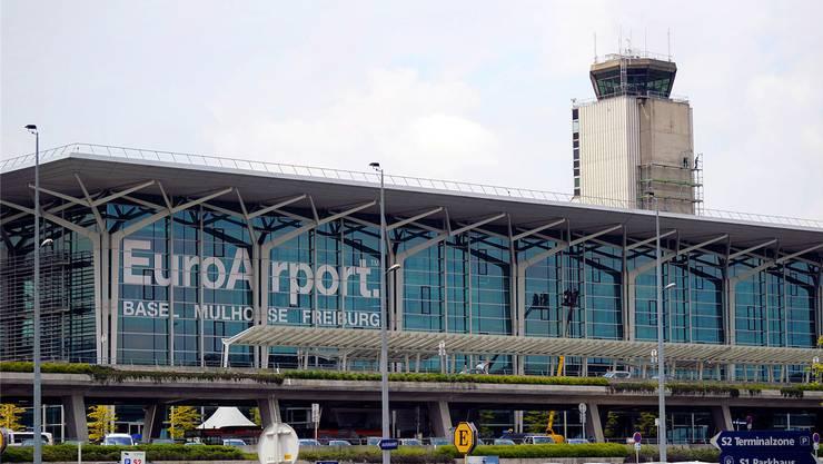 Der Bahnanschluss des Flughafens könnte 2020 in Betrieb gehen und bis zum Terminal führen.