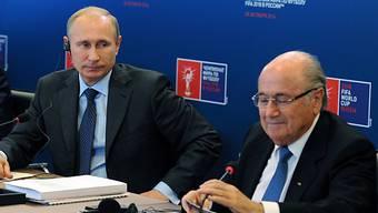 Kremlchef Wladimir Putin und FIFA-Chef Sepp Blatter in Moskau
