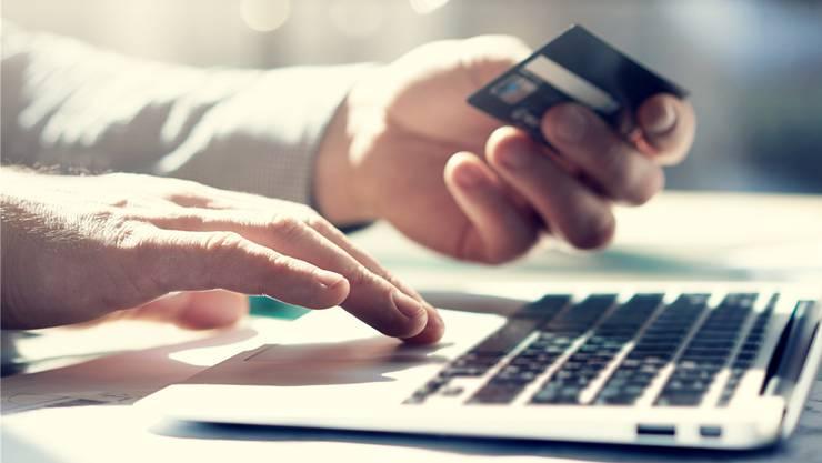 Bald ein Bild aus der Vergangenheit? Das Kreditkarten-Geschäft wird immer unattraktiver. Thinkstock