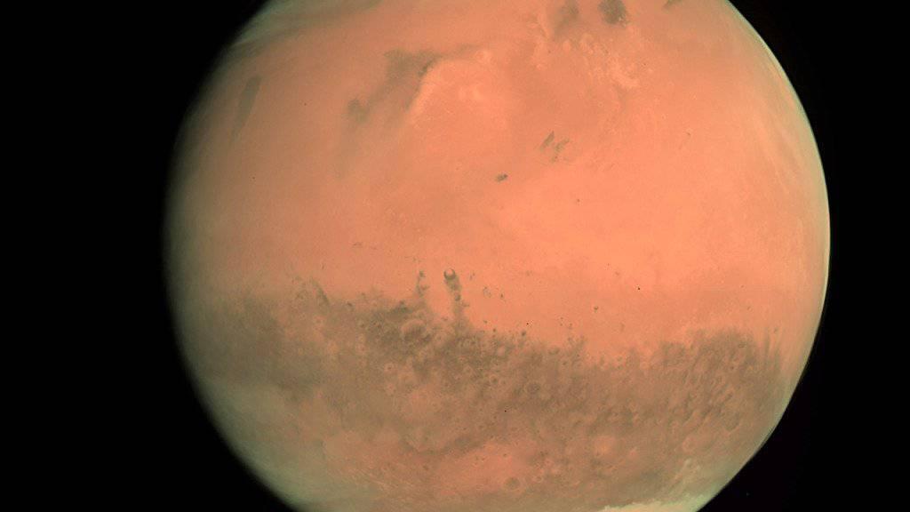 Blick auf den Mars: Raumsonde hat die Hälfte des Weges dorthin zurückgelegt. (Archivbild)