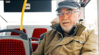 41 Jahre lang sass er am Steuer, jetzt ist er oft Passagier: Walter Wittwer liebt Busfahren. PKR