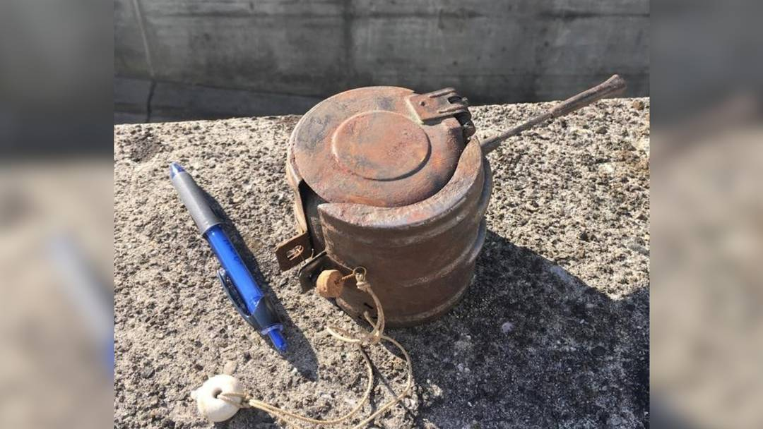 Der Wurf-Sprengkörper ist eine Schlachtfliegerbombe