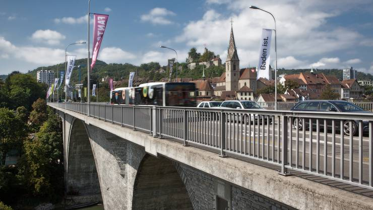Ab 2040 soll die Hochbrücke als Trassee für die Limmattalbahn dienen. Ausserden soll die Brücke Hauptachse für den Velo- und Fussverkehr werden.