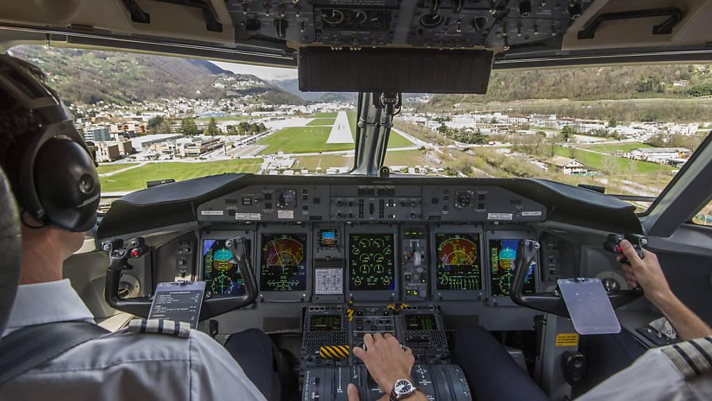 Der Nationalrat will unangemeldete Alkoholtests für Piloten und Pilotinnen. (Themenbild)
