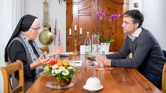 Schwester Elisabeth Müggler im Gespräch mit Jürg Krebs, Chefredaktor der Limmattaler Zeitung. Versuchen wir uns an der Königsfrage: Haben Sie Angst vor dem Sterben?