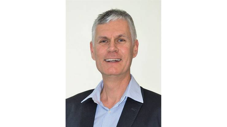 49 Jahre alt, Dipl. Ing. HTL, Geschäftsführer der eigenen Firma, ist in Urdorf aufgewachsen. Seit vier Jahren ist der CVP-Politiker Urdorfer Gemeinderat und ist Vorstand des Ressorts Planung, Bau und Umwelt.