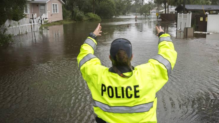 """Der gewaltige Sturm """"Irma"""" erreichte mit Regen und Hochwasser am Montag auch den US-Bundesstaat Georgia."""