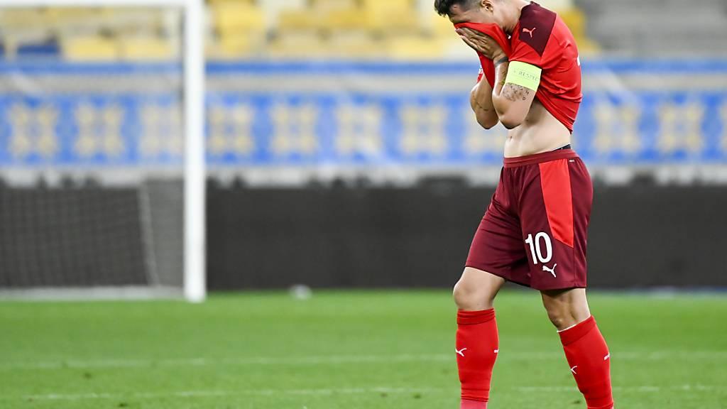 Captain Granit Xhakas Reaktion während des Spiels in der Ukraine