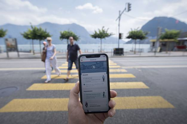 Fast eine Million Menschen in der Schweiz haben sich eine Woche nach der Lancierung die Corona-App heruntergeladen.