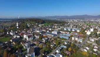Die Gemeinde Suhr von oben. (Symbolbild)