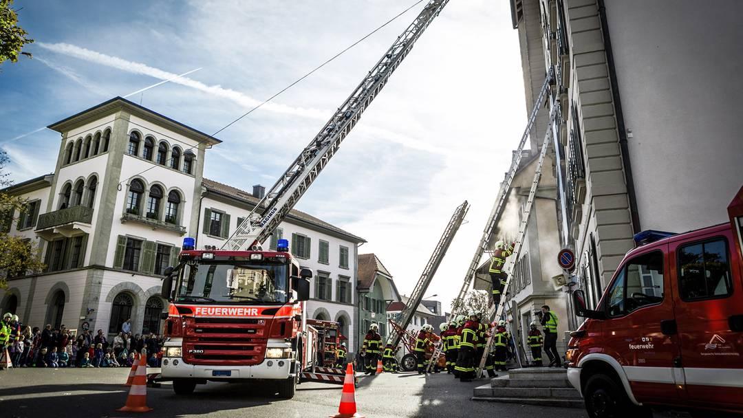 Helikopter Ladung und Feuerwehrübung Lenzburg