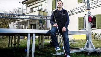 Radio machen, am Computer arbeiten – Jugendarbeiter Marco Jörg ist blind, doch das ist keine Einschränkung, weder für ihn noch für die Jugendlichen.