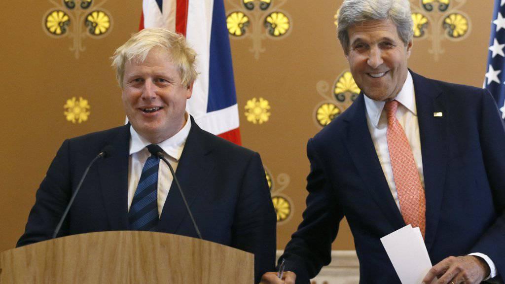Boris Johnson (links) gemeinsam mit seinem Amtskollegen, dem US-Aussenminister John Kerry, am Dienstag in London.