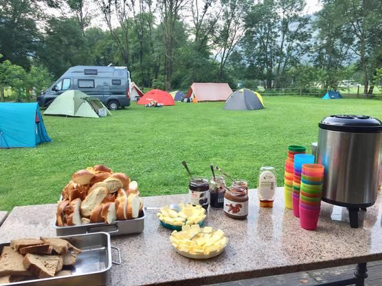 Zmorge auf dem Campingplatz
