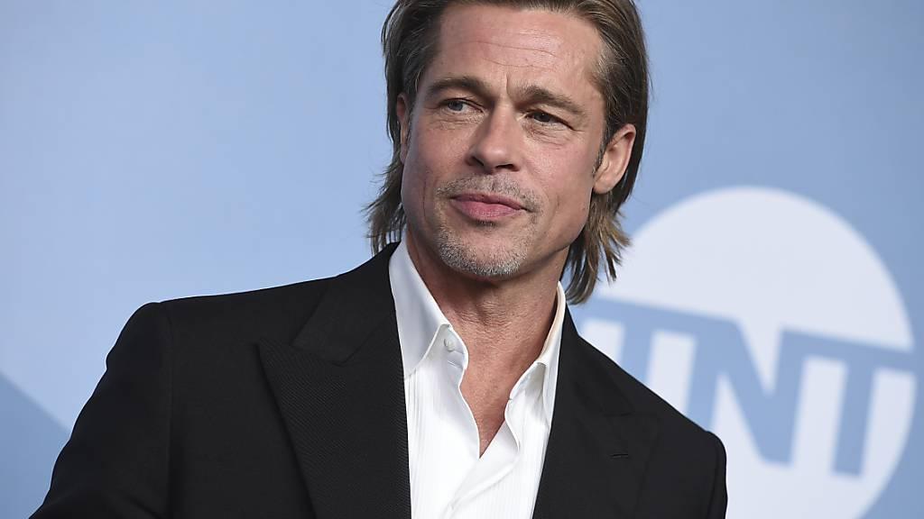 ARCHIV - Brad Pitt bei der Verleihung der Screen Actors Guild Awards in der Shrine Auditorium  Expo Hall. Foto: Jordan Strauss/Invision/AP/dpa