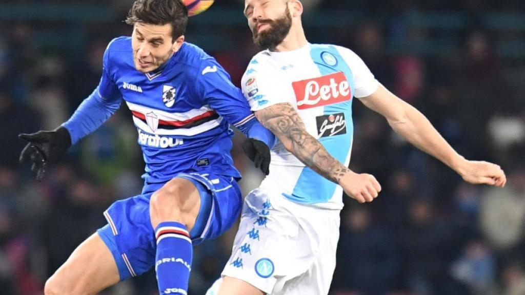 Napolis Siegtorschütze Lorenzo Tonelli (rechts) im Luftduell mit Sampdorias Ricardo Alvarez