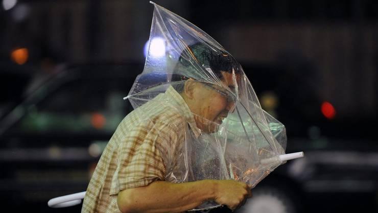 Die Schirme sind in Japan oft durchsichtig.