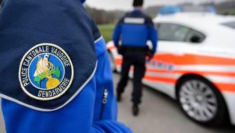 Die Kantonspolizei Waadt hat Ermittlungen aufgenommen zum Tod einer 23-jährigen Walliserin. (Symbolbild)