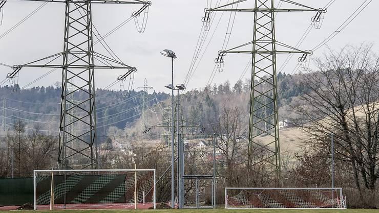 Die Stromversorgung in der Schweiz ist laut einem Bericht der Eidgenössischen Elektrizitätskommission (ElCom) gesichert. (Archiv)