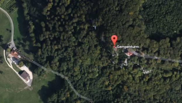 Ein Mann ist in der Nähe des Gempenturms über eine Felswand gestürzt.
