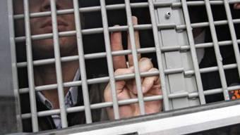 Festgenommener Demonstrant nach den Protesten am Dienstag