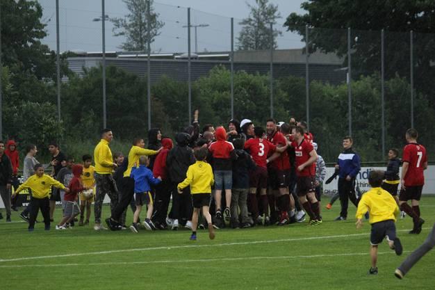 Auch der FC Oensingen feierte den Aufstieg in die 2. Liga.