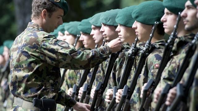 Fünf Milliarden Franken jährlich für die Armee (Symbolbild)