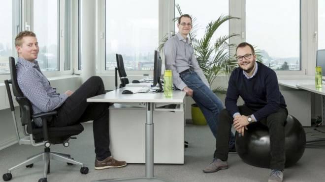 Easysys-Gründer Stefan Brunner, Marcel Lenz, Jeremias Meier (von links). Foto: Ruben Hollinger