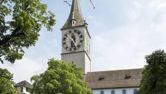 Tickt bald wieder richtig: Die Uhr der St.-Peter-Kirche in Zürich.