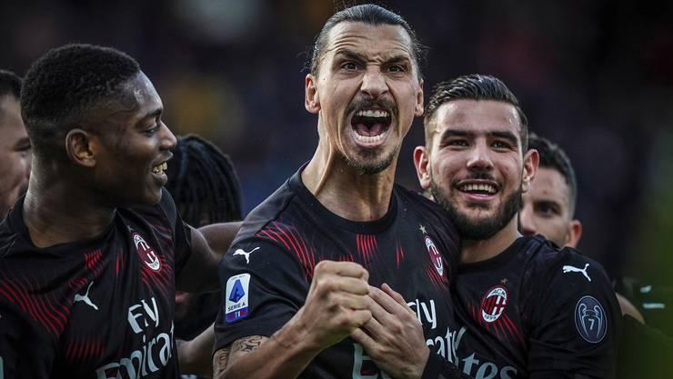 Jubelt wie früher über ein Tor für AC Milan: Zlatan Ibrahimovic (Mitte).