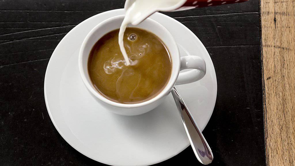 Die Soldaten sollen zum Frühstück frische Milch erhalten, findet der Nationalrat (Symbolbild).
