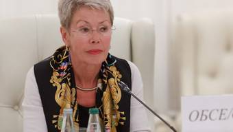 Heidi Tagliavini bei den Minsker Friedensgesprächen zur Ukraine im vergangenen September (Archiv)