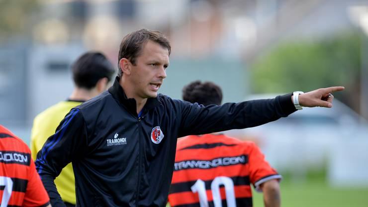 Trainer Bozo Predojevic liegt mit dem 2.-Liga-inter-Absteiger FC Wangen bei Olten zur Halbzeit auf Platz neun.