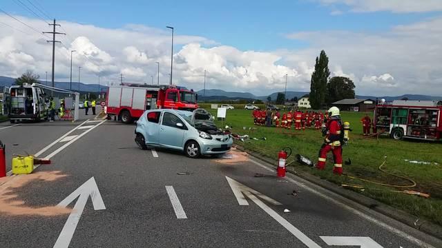 Aargau-Chef Fabian Hägler ist vor Ort und erklärt den Unfallhergang.