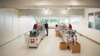In Flawil werden zwar bereits CPA-Masken für den medizinischen Bereich hergestellt, verkauft werden kann die bisherige Produktion allerdings nicht.