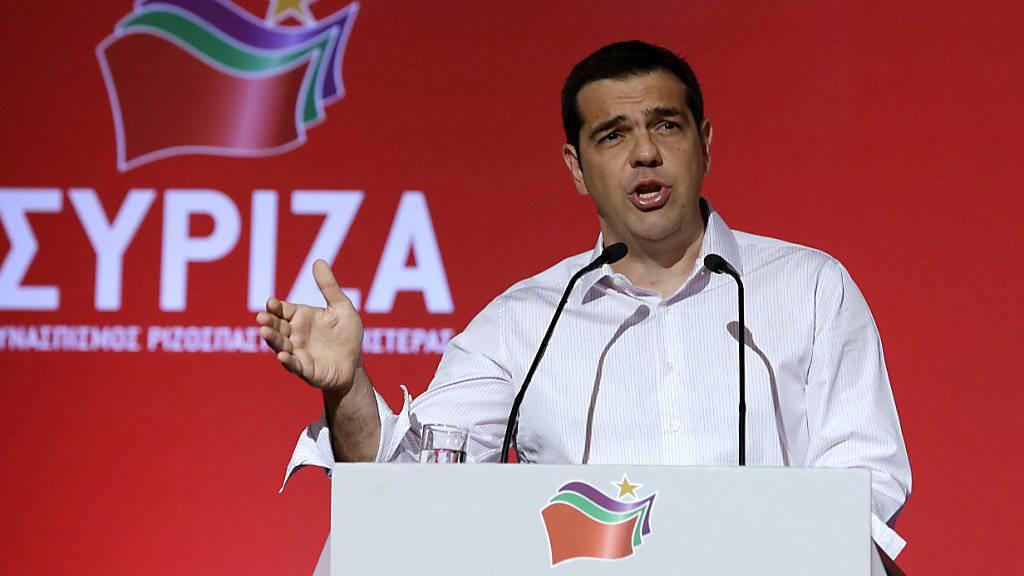Der griechische Regierungschef Alexis Tsipras wendet sich an seine Syriza-Partei: Ein Sonderpartei im September soll den Richtungsstreit in der Linkspartei beenden.
