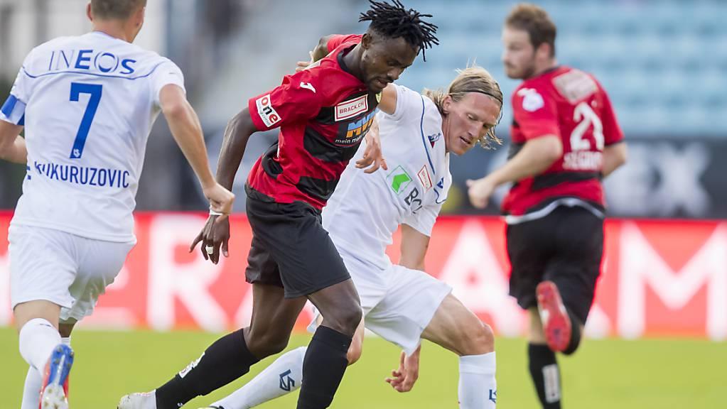 Kriens' Torschütze zum 1:0 Asumah Abubakar (Mitte), hier in einem Spiel gegen Lausanne-Sport