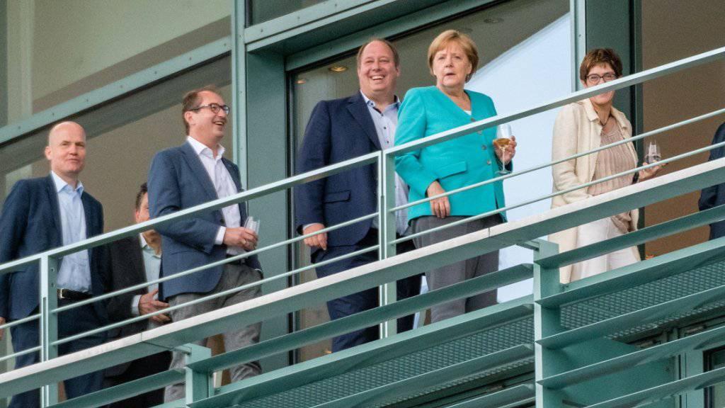 Die Spitzen der deutschen Regierungskoalition aus CSU, CDU und SPD vor der Sitzung im Kanzleramt in Berlin.